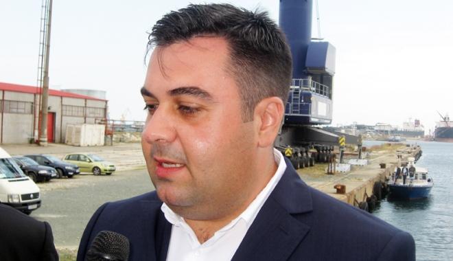 Foto: Ministrul transporturilor a efectuat  o vizită de lucru în portul Midia