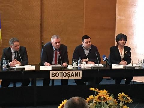 Foto: Ministrul Transporturilor bate drumurile din Botoşani