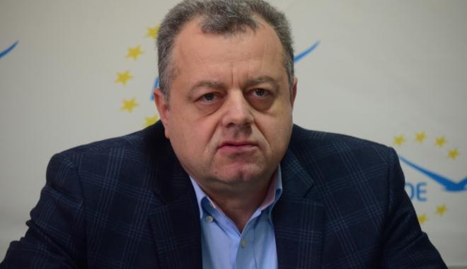 Foto: Mircea Banias pierde conducerea ALDE Constanţa. Care este motivul invocat de Tăriceanu