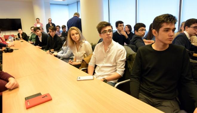 Foto: Mirciştii s-au apucat să înveţe limba rusă. Cum au sărbători elevii de la CNMB Ziua Limbilor Europei