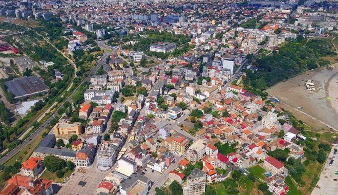 Miros neplăcut în Constanţa şi Valu lui Traian. Ce spun comisarii Gărzii de Mediu - mirosneplacut-1632215758.jpg