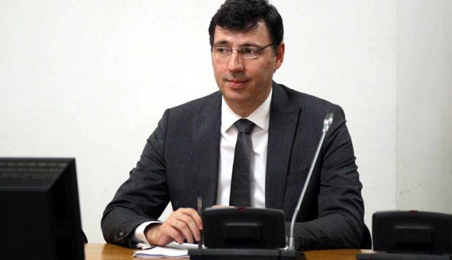 Foto: Mișa, președinte la ANAF. Iohannis, nedumerit de numirea lui