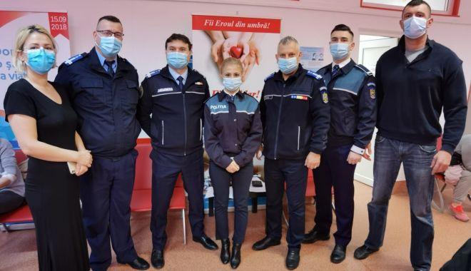 Misiune pentru viaţă! Jandarmii şi poliţiştii constănţeni au donat sânge pentru semenii lor - misiunepentruviata-1608664051.jpg