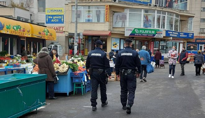 Jandarmii constănțeni, în control prin piețe și zonele aglomerate - misiunijandarmi-1605552500.jpg