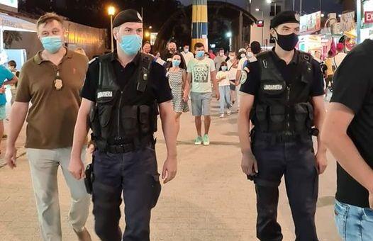 Foto: Sute de comercianți ambulanți de pe plaje, amendați