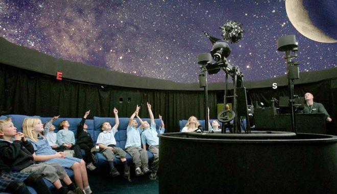 Foto: Misterele Cerului, dezvăluite la Planetariul Constanţa