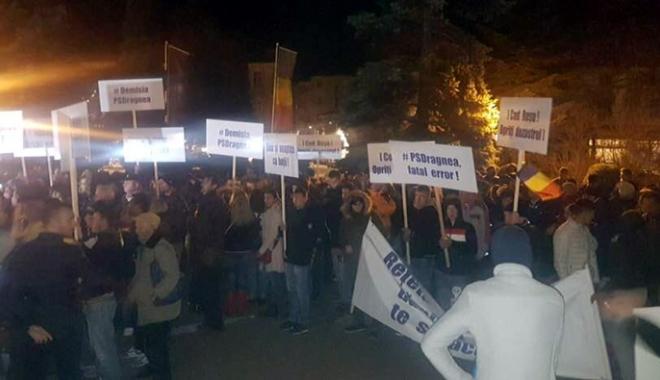 """Foto: PNL Constanţa, miting la Constanţa. """"Suntem  în război total cu acest Guvern Tudose/Dragnea"""""""
