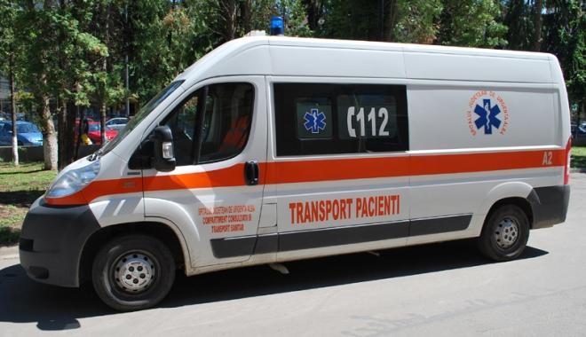 Foto: Proteste la sediul Serviciului de Ambulanţă Constanţa