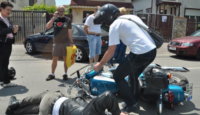 Foto: Accident STUPID. Şoferiţa este ANTRENOARE de baschet / GALERIE FOTO