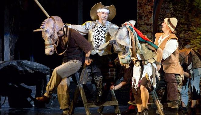"""Foto: Festivalul """"Miturile Cetăţii"""" aduce două noi piese de teatru. """"Omul din  La Mancha"""" vine în piaţa Ovidiu"""
