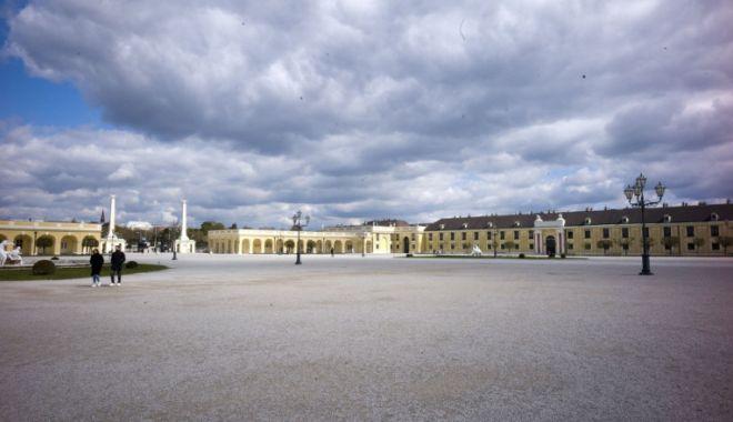 Digi 24: Viena, rămasă fără turiști. Cum arată locuri altădată extrem de aglomerate, inclusiv aeroportul - mjm3y2fkody0ytk2n2nhmddlztjkzwzk-1617613643.jpg