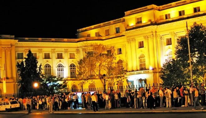 Foto: Petreceţi Noaptea Muzeelor în compania astrelor