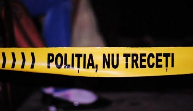 """Foto: Moarte suspectă. Găsit mort în bazinul abandonat  de la """"Badea Cârţan"""""""
