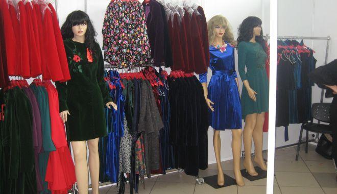 Foto: Moda de toamnă - iarnă vine la Mamaia, la TINIMTEX