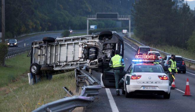 Mai mulţi români au intervenit într-un accident pe o şosea din Spania - momente-1627986126.jpg