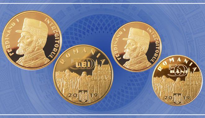 Foto: Monede de aur și alamă cu tema Desăvârșirea Marii Uniri – Regele Ferdinand I Întregitorul
