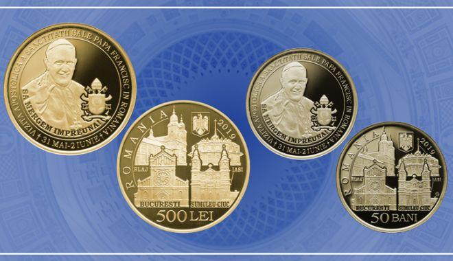 Foto: Monede dedicate vizitei Papei Francisc în România
