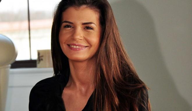 Monica Gabor și-a recăpătat zâmbetul  și se pregătește de petrecere - monicagabor1-1381835458.jpg