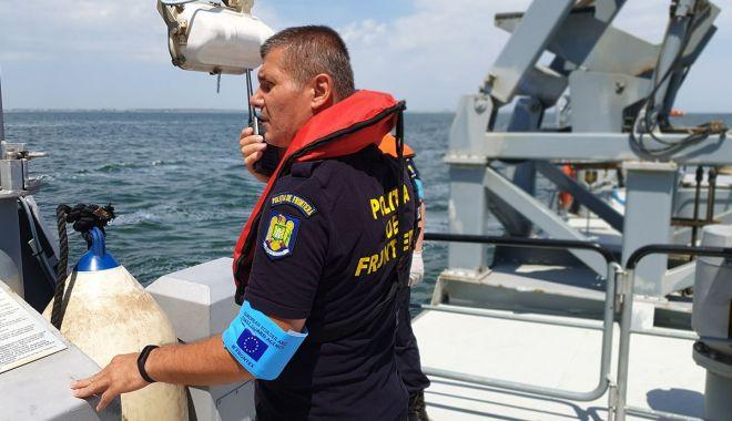 Polițiștii de frontieră în misiune. Monitorizare nave, controale și exerciții maritime la Marea Neagră - monitorizare2-1560972478.jpg