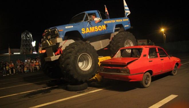 """Spectacolul """"monster truck"""" vă aşteaptă în continuare la Maritimo"""