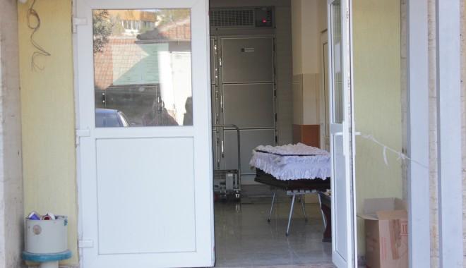Foto: Reducere  pentru săraci la transportul morţilor