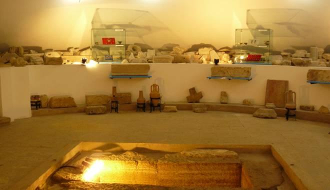 Foto: Misterele papirusului antic de la Mangalia