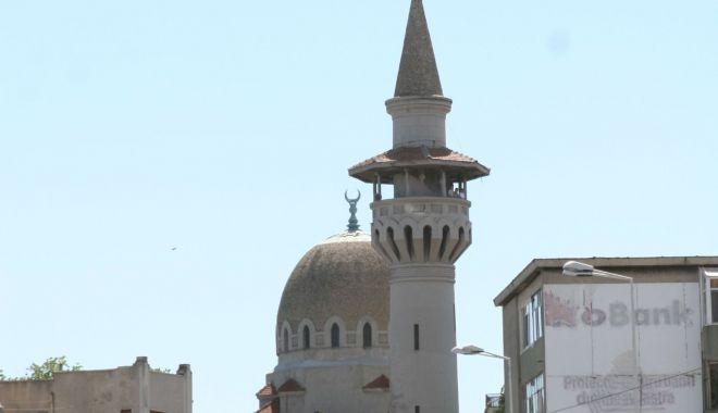"""Moscheea plângerii! """"Reparaţiile ar putea costa un milion de euro"""" - moscheesc1-1550823363.jpg"""