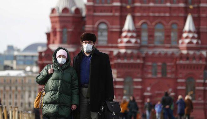 Rusia anunță un record zilnic de cazuri noi și depășește 100.000 de bolnavi - moscova-1588236474.jpg