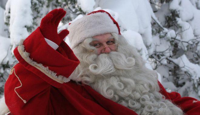 Moș Crăciun vine  la copiii lupilor de mare