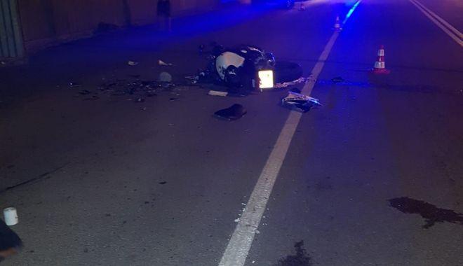 Galerie foto. Bărbatul care l-a lovit mortal pe motociclistul fără permis, de la Valu Traian, arestat - motociclist2-1534501871.jpg