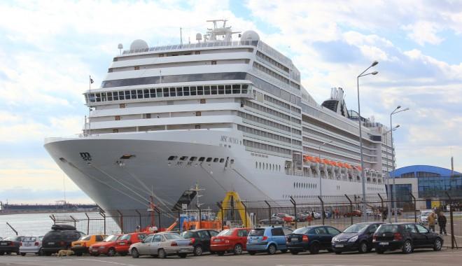 Foto: Nava de croazieră MSC Musica revine în Portul Constanţa