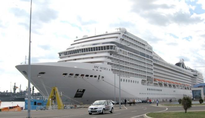 """Foto: Portul Constanţa - """"o destinaţie favorită a turismului de croazieră"""""""
