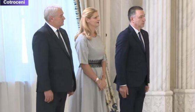 Foto: Ramona Mănescu, Nicolae Moga și Mihai Fifor au depus jurământul la Palatul Cotroceni