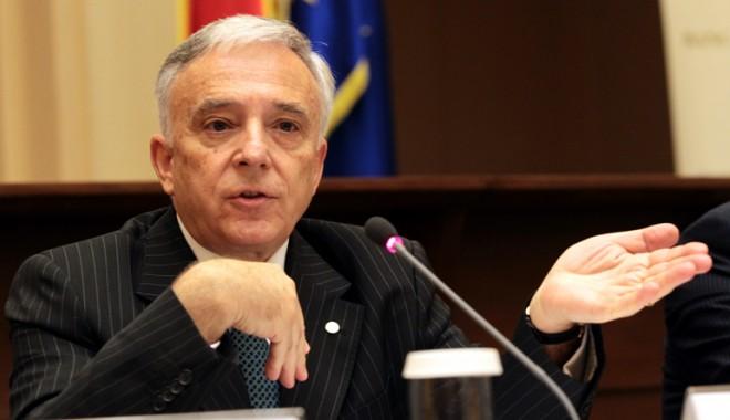 Mugur Isărescu, atac dur la Guvern: Măi, voi chiar nu aveţi ce să faceţi?