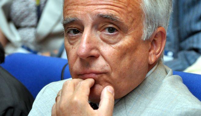 Foto: Mugur Isărescu speră ca inflația să coboare sub pragul de 3,5%
