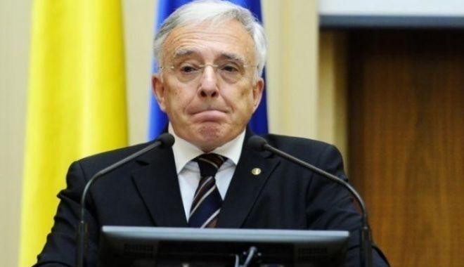 Foto: Guvernatorul Mugur Isărescu refuză să meargă la audieri în Parlament