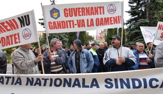 Foto: Multinaţionalele au ajuns să dicteze în companiile statului român