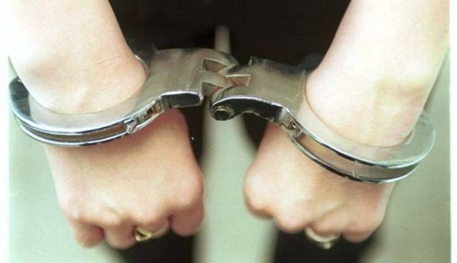 Ce pedeapsă a primit un bărbat care a mușcat un polițist - muscatpolitist-1418490415.jpg