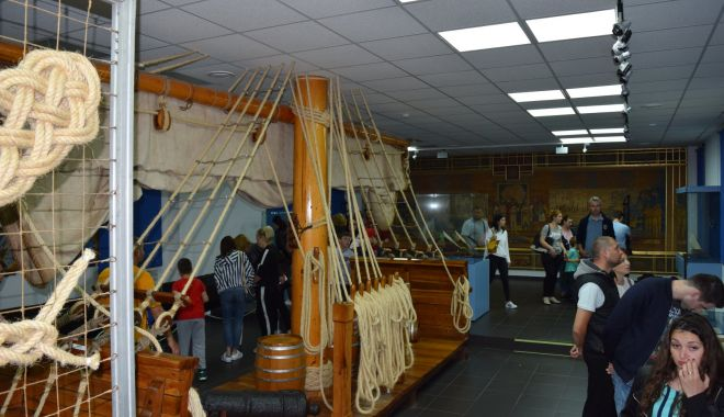 Foto: FOTO / Muzeul Marinei, asaltat de vizitatori