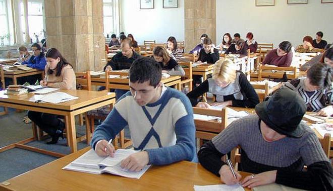 Foto: Muzeele şi Biblioteca Judeţeană şi-au reluat activitatea