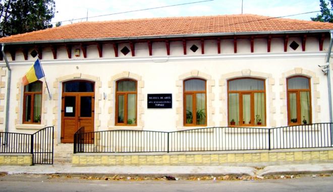 Foto: Comoara Muzeului de Artă de la Topalu, în pericol!