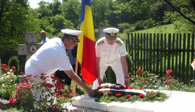 Foto: Eveniment deosebit dedicat marinarilor şi aviatorilor militari