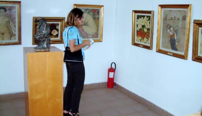 Foto: Cu ochii pe comoara din Topalu. Donaţia  dr. Vintilă - şapte ani de procese şi expertize