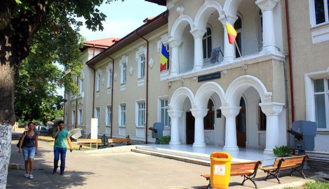 Foto: Turiștii, așteptați la Muzeul Național al Marinei Române