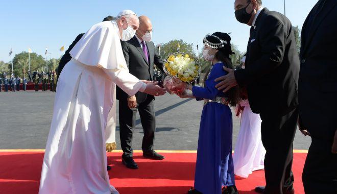 GALERIE FOTO / Cum a fost întâmpinat Papa Francisc în Irak - mzk4nda0lmpwzyzoyxnopwu5mdqyzdi0-1615018186.jpg