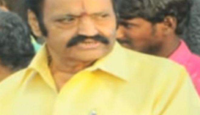 TRAGEDIE URIAŞĂ! Un actor celebru a murit într-un grav accident rutier. Mergea la nunta unui fan! - nandamuriharikrishna296627700-1535529184.jpg