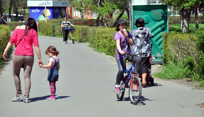 Foto: Cu cât a scăzut populaţia României în doar o lună de zile