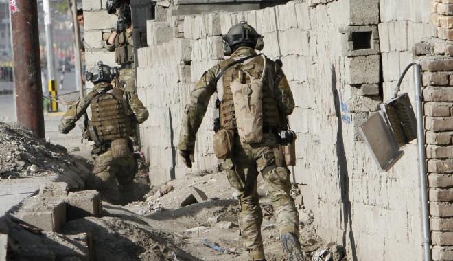 Foto: Trei soldaţi NATO, ucişi într-un atentat  la Zabul