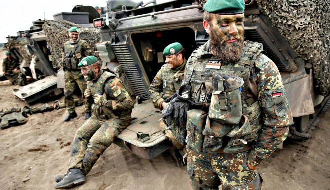 Foto: NOBLE JUMP. Peste 4.000 de militari NATO participă la exerciţiul multinaţional