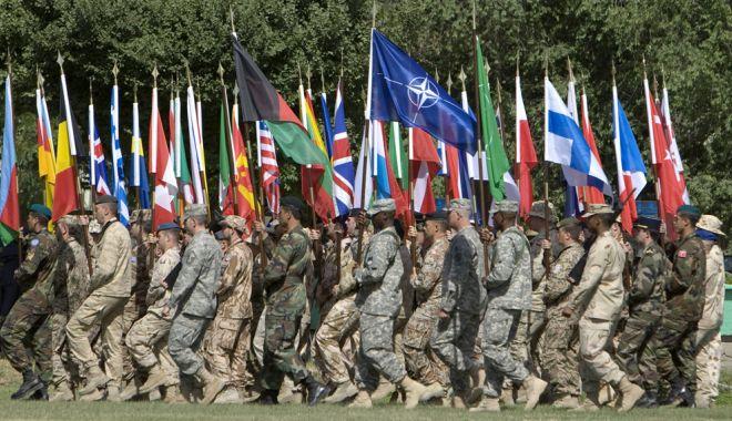 Foto: NATO și Uniunea Europeană au divergențe pe tema apărării comune